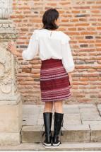 Fusta Cosanzenei cu Talie Medie si Motive Traditionale Romanesti